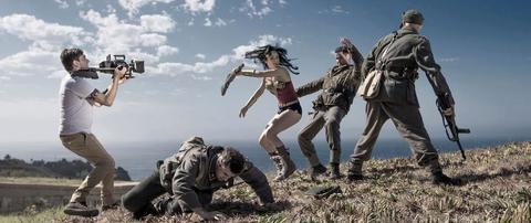 Wonder Woman fighting the Nazis.